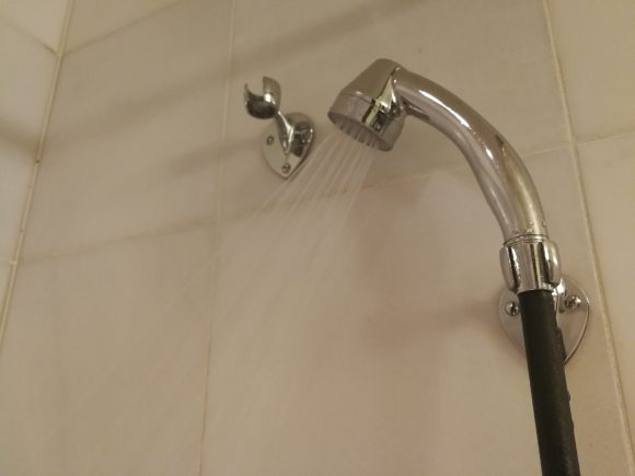 シャワーの出し方